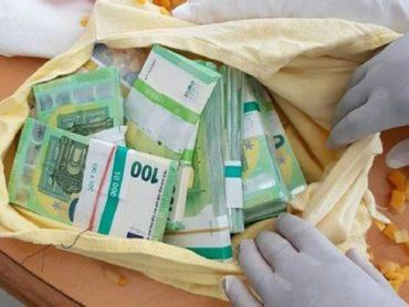 YASTIK İÇİNDE 400 BİN EURO ÇIKTI